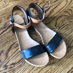 Zigi Soho Island Black Tan Sandals size 9